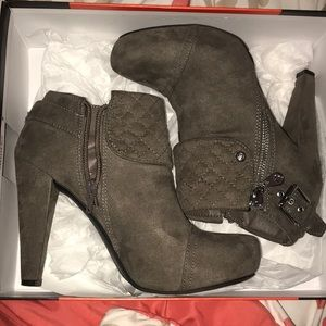 Guess Shoes - Ankle booties